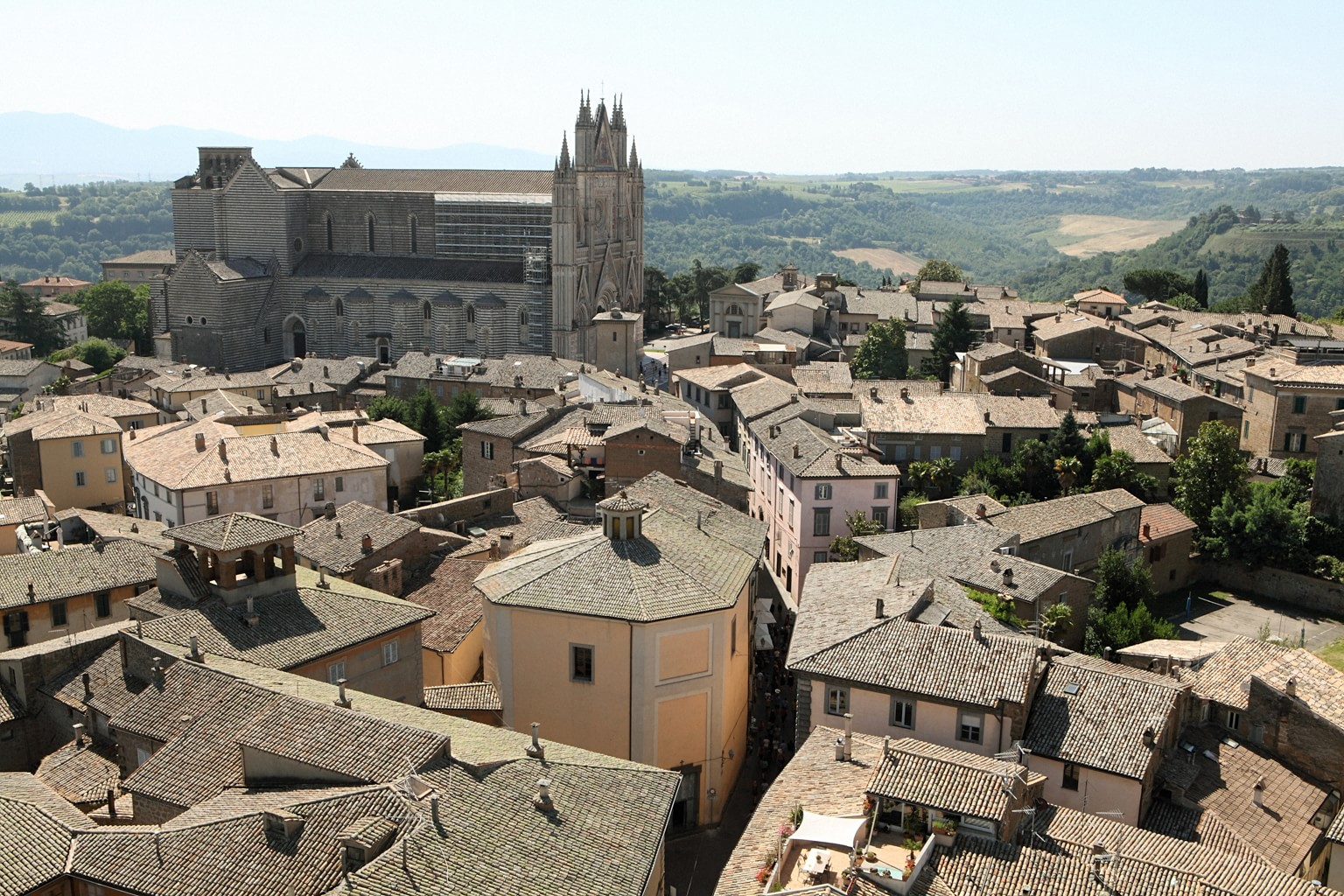Wide shot of Orvieto, Italy