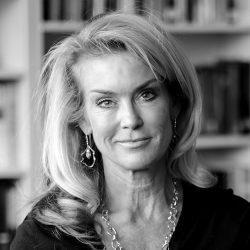 Pamela King (headshot)